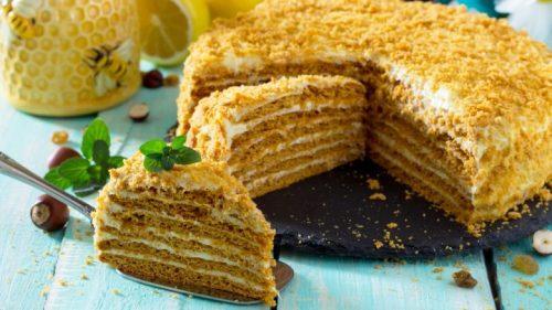 Hrnčeková medová torta